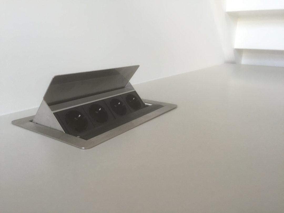 Nieuw Coole verzinkbare stopcontacten op je keukenblad. - Houtzwagers.nl VW-53
